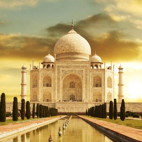 تاج محل در تور هند